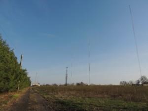 920 WNJE's three tower array.